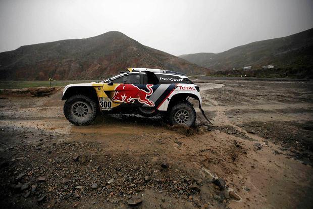 Rajd Dakar. Carlos Sainz wygrywa szósty etap. Sonik przejdzie operację w Polsce