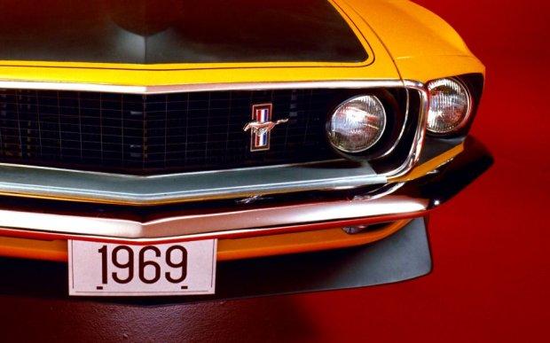 Znaczek Mustanga Boss 302 z 1969 roku