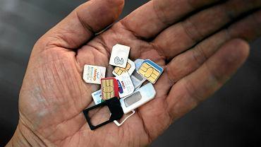 Trzeba zarejestrować kartę SIM