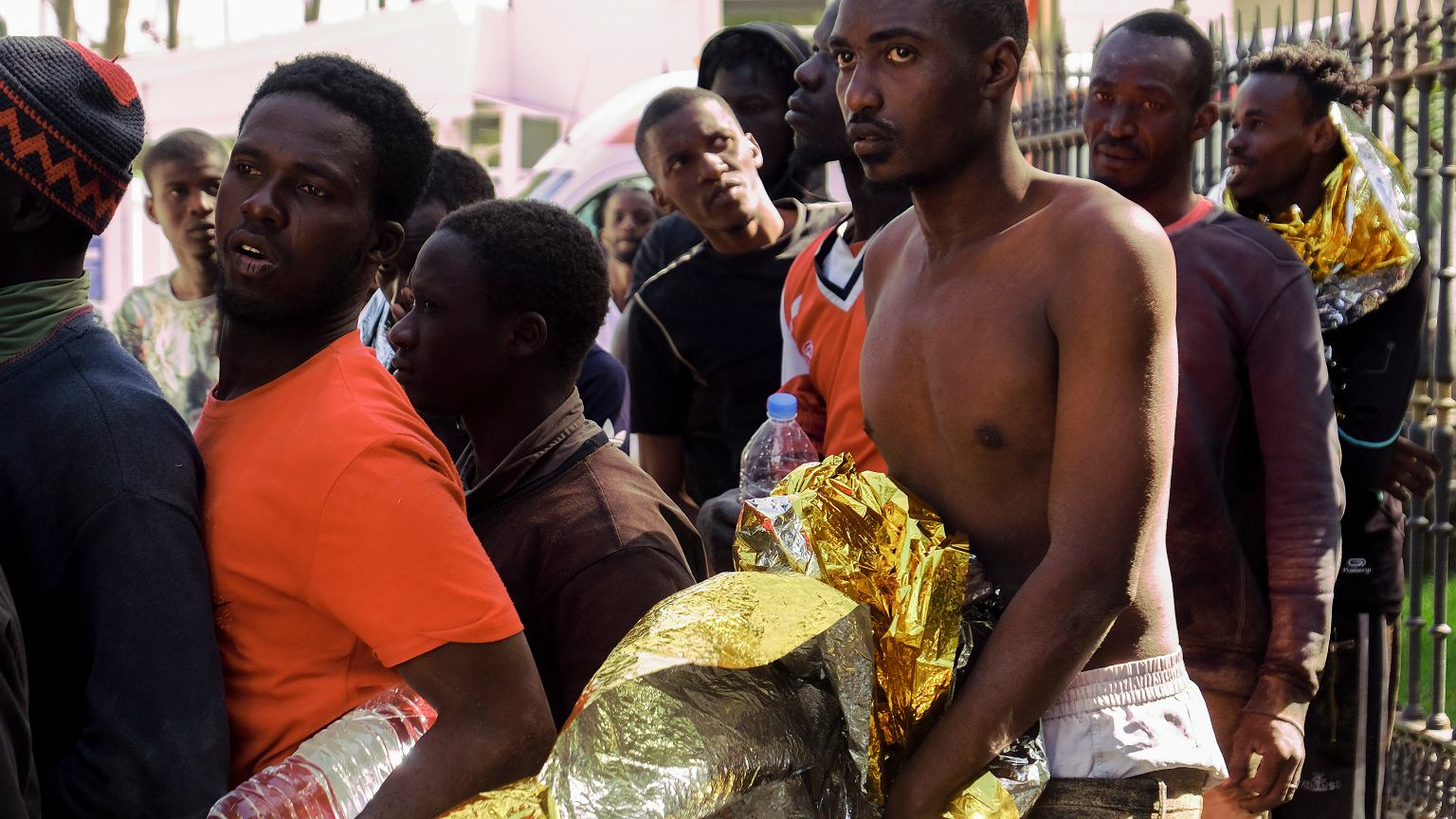 Canary Islands: over 1,600 migrants from Africa arrived in two days | News  from the world - World Today News