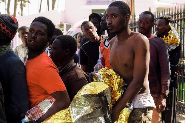 Imigranci z Afryki, którzy dotarli na Gran Canarię