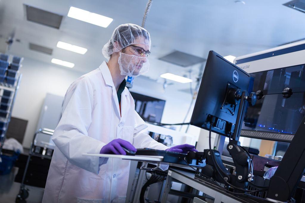 Szczepionka Moderna przeciw COVID-19: co warto wiedzieć o tej szczepionce