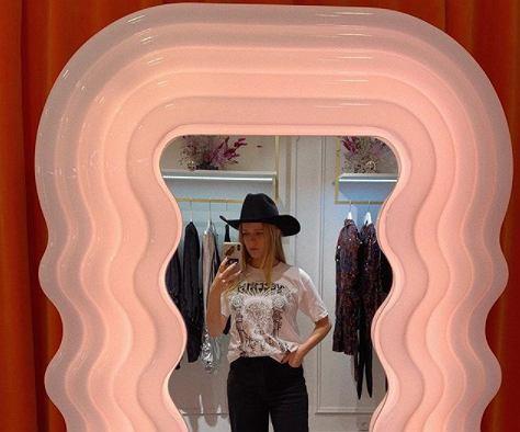 Jessica Marcedes na otwarciu pierwszego sklepu stacjonarnego Veclaim
