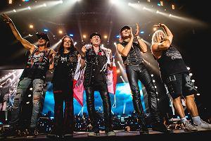 Po 50 latach od wydania pierwszej debiutanckiej płyty, Scorpions powrócą z nowym krążkiem. Będzie to ich 19. w dorobku studyjny album. Zaraz potem, po dwuletniej przerwie, weterani rocka ruszą w trasę koncertową. 28 maja 2022 roku zagrają w TAURON Arenie Kraków. Bilety na to wydarzenie cieszą się bardzo dużym zainteresowaniem.
