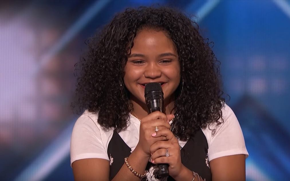 Amanda Mena: The 15-Year-Old Earns Golden Buzzer From Mel B - America's Got Talent 2018
