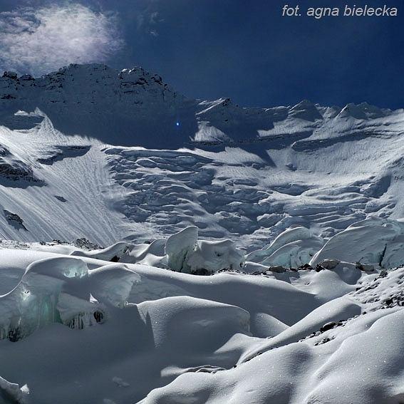 Widok na Lhotse z obozu II