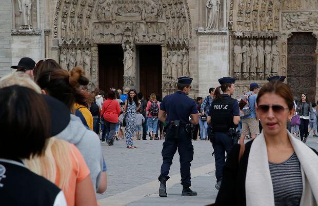 Francuski sektor turystyczny kuleje po zamachach