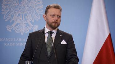 Minister zdrowia Łukasz Szumowski podczas konferencji prasowej ws. epidemii koronawirusa w Polsce. Warszawa, 11 marca 2020