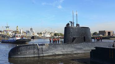 Łódź podwodna ARA San Juan cumuje w Buenos Aires w Argentynie. Zdjęcie archiwalne z 2014 r
