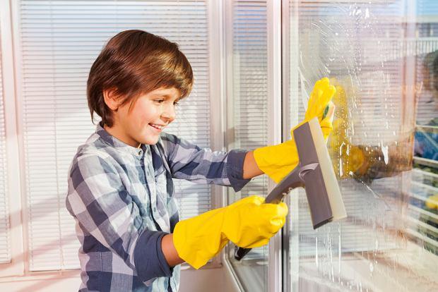 Dzieci należy angażować w proste prace domowe