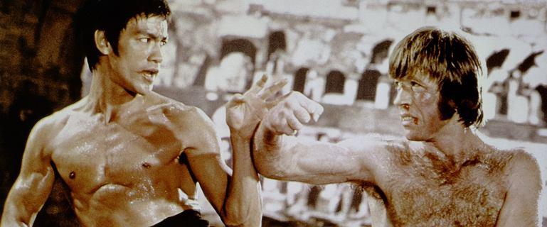 """Wielu wierzyło, że Bruce'a Lee """"ciosem wibrującej pięści"""" zabili mnisi Shaolin"""