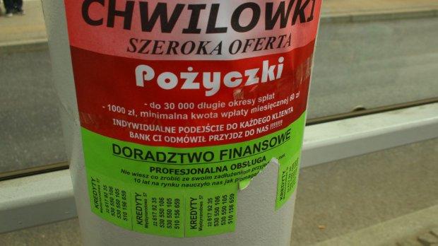 Polacy częściej nie płacą rachunków za telefon, Hiszpanie - rat kredytu