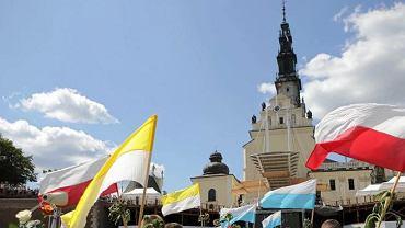 Mimo pandemii, wierni z Łowicza ruszyli na pielgrzymkę. Interweniowała policja