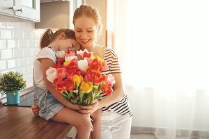 Kiedy jest Dzień Matki? Najpiękniejsze życzenia i wierszyki, idealne do wpisania do laurki