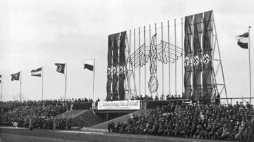 trybuny dzisiejszego stadionu Górnika 24 marca 1935 roku