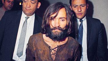Charles Manson transportowany na przesłuchanie