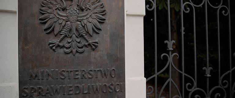 Projekt zmian w symbolach państwowych. Resort Ziobry chce orła w koronie z krzyżem