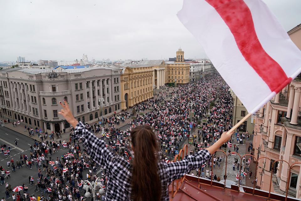 23.08.2020, wielotysięczna manifestacja w Mińsku