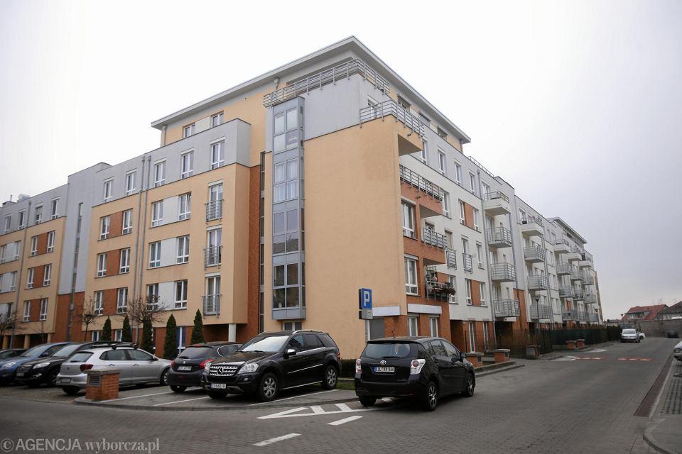 Osiedle Ku Słońcu. Mieszkańcy budynku nr 1 pozwali inwestora, firmę Polnord, za brak reakcji na wezwania do niezbędnego remontu