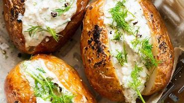 Pieczone ziemniaki z roślinnym gzikiem