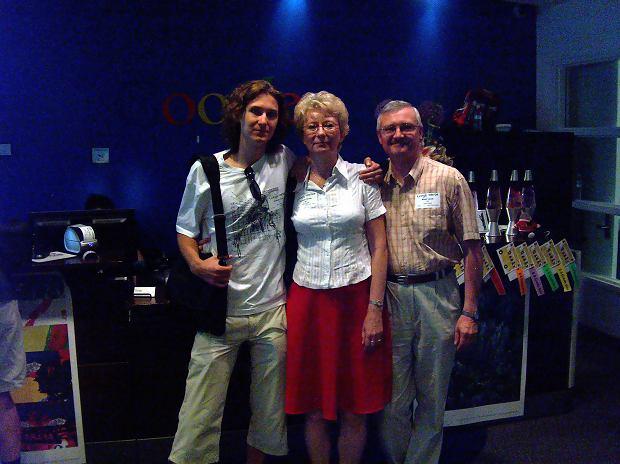 Jerry z rodzicami w siedzibie Google'a w Dolinie Krzemowej.