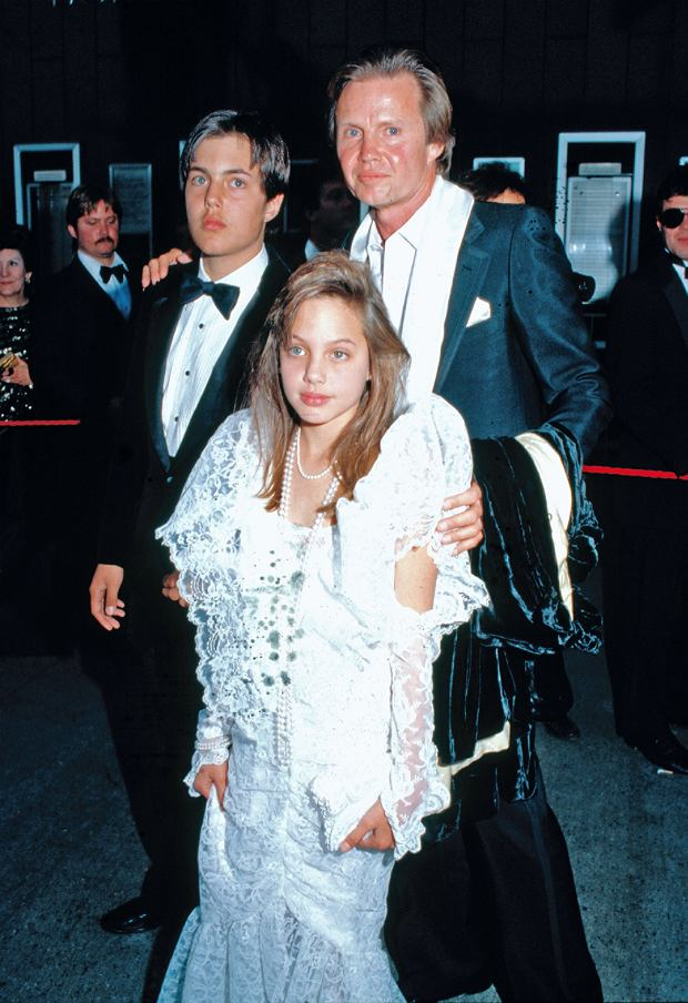 ? BAUER-GRIFFIN.COM Angelina Jolie's mother Marcheline Betrand died of cancer at Cedar-Sinai Hospital in Los Angeles on January 28, 2007. A retrospective of her marriage to actor Jon Voight from 1971-1978 and their two children James Haven and Angelina Jolie. Job: 70129Y2 January 29, 2007 EXCLUSIVE Los Angeles, California www.bauergriffin.com childhood