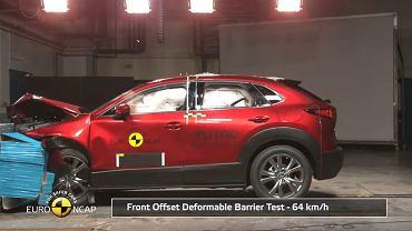 Mazda CX-30 w teście zderzeniowym