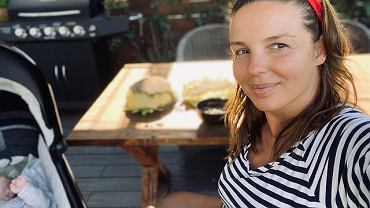 Agnieszka Włodarczyk karmi piersią w restauracji