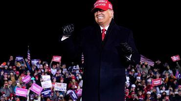 Donald Trump podczas wiecu wyborczego w Grand Rapids w Michigan.