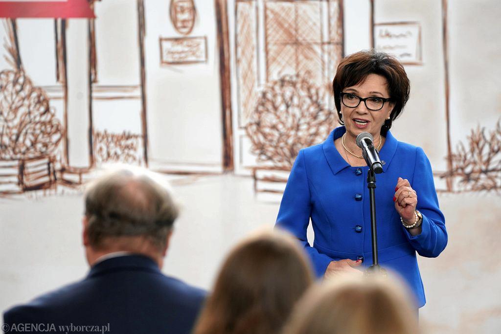Marszałkini Elżbieta Witek na rozpoczęciu nowego roku szkolnego w IV Liceum Ogólnokształcącym w Częstochowie