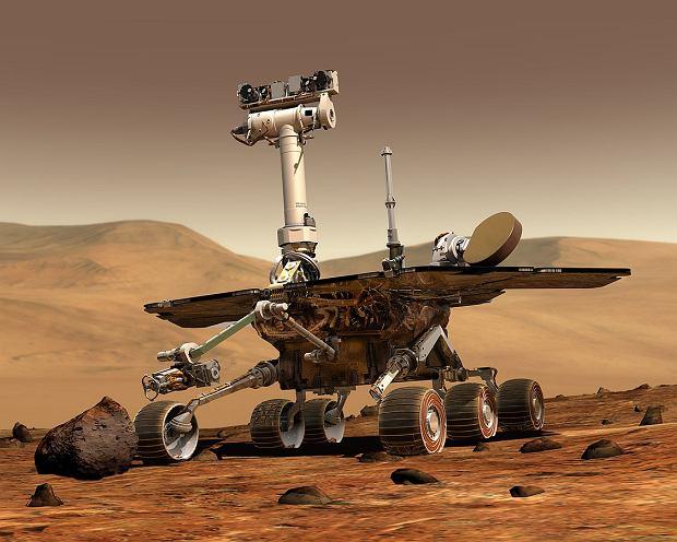 Grafika przedstawiająca Opportunity na Marsie. Widać pewne podobieństwa do Wall-E