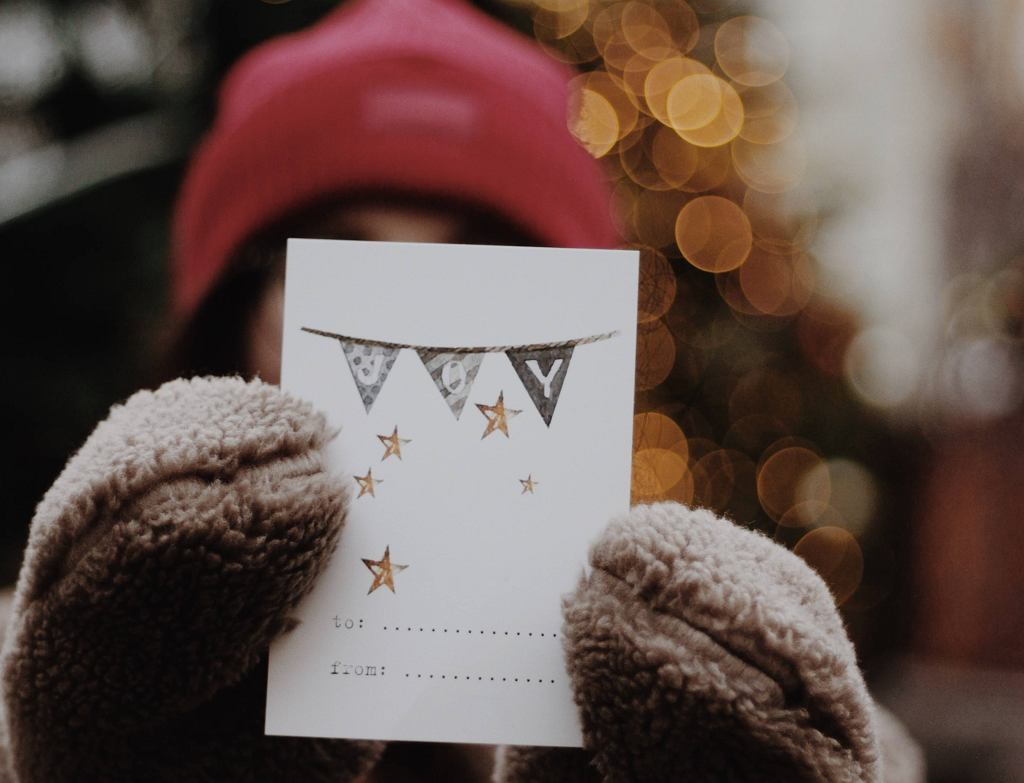 Kartki świąteczne to kreatywna zabawa dla dzieci.
