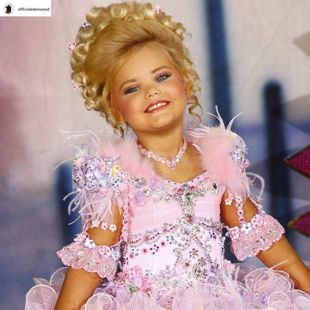 Eden Wood była najsłynniejszą dziecięcą miss! Dziś ma 15 lat i wygląda jak żywa Barbie