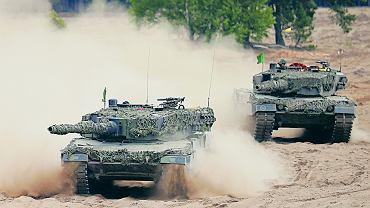 Manewry polskiej armii podczas ćwiczeń NATO. Na zdjęciu: czołgi Leopard 2,  Żagań, 18 czerwca 2015.