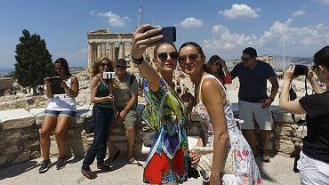 Grecja co roku jest jednym z najpopularniejszych kierunków turystycznych dla Polaków. Według Polskiej Izby Turystyki w zeszłym roku odwiedziło ją ok. 450 tys. osób