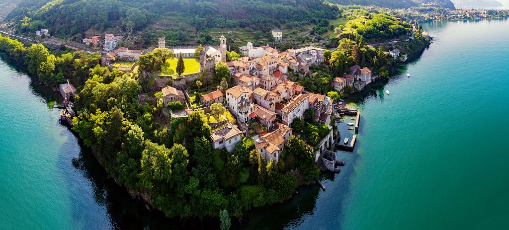 Bilety wstępu dla turystów we włoskim miasteczku