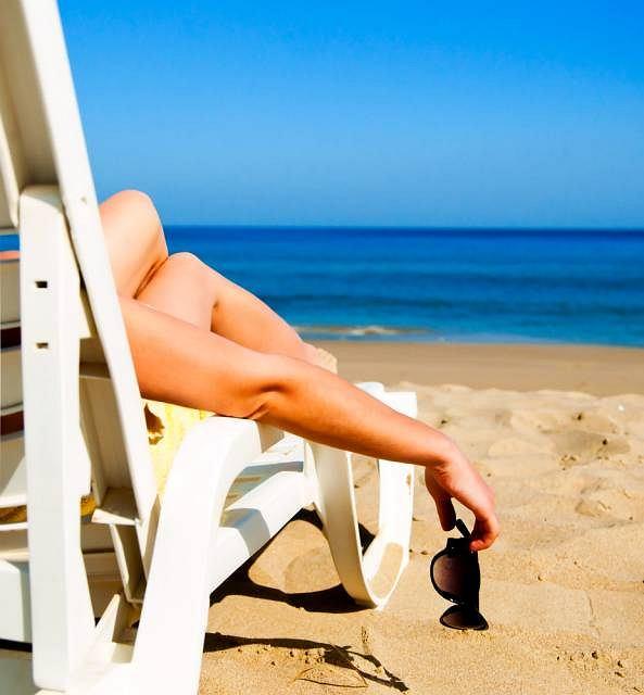 Zbyt długie przebywanie na słońcu może być bardzo niebezpieczne. Przegrzanie prowadzi niekiedy do zaburzenia rytmu serca oraz uszkodzenia nerek