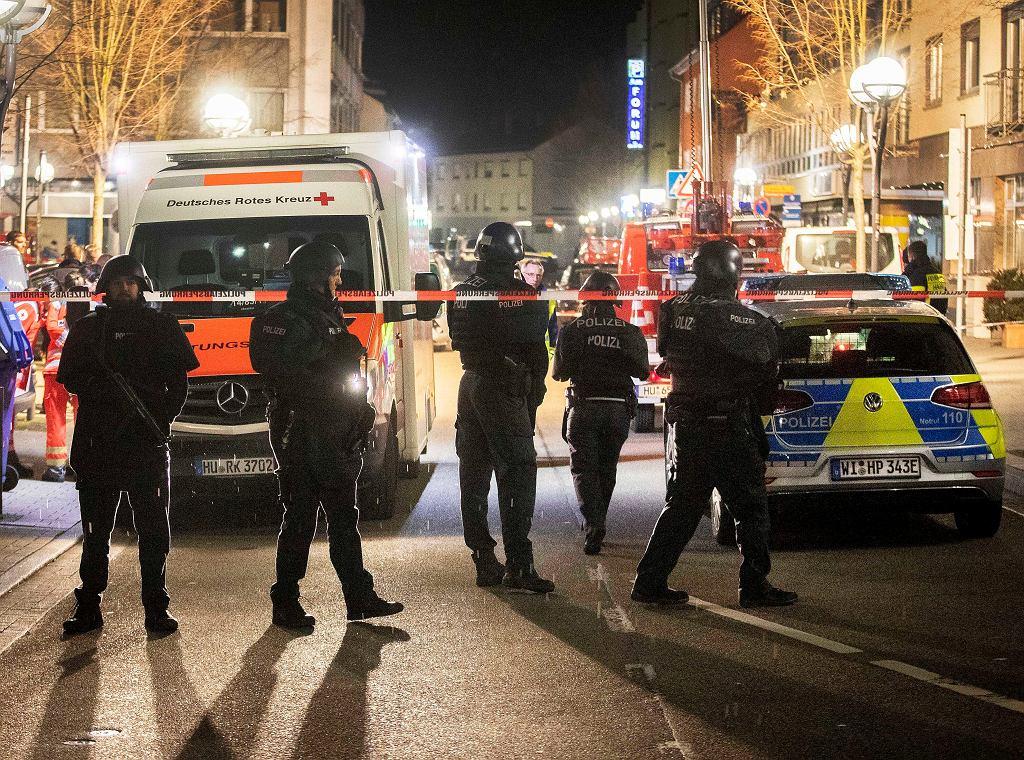 Policja na miejscu strzelaniny w Hanau, Niemcy 20.02.2020