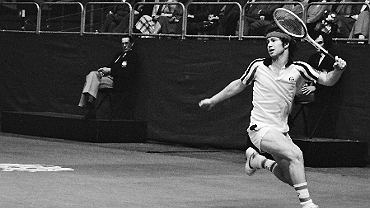 John McEnroe podczas ABN Tennis Tournament, 1979 r. (fot. Anefo / Croes, R.C. / Wikimedia.org / CC BY-SA 3.0 nl)