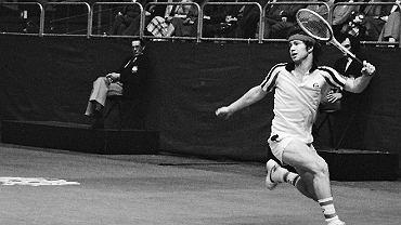John McEnroe podczas ABN Tennis Tournament, 1979 r. (fot. Anefo / Croes, R.C. / Wikimedia.org / CC BY-SA 3.0 nl)