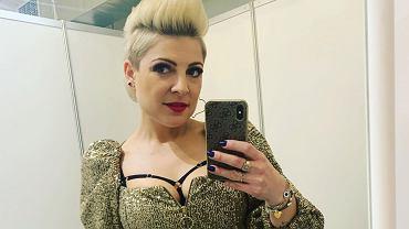 Magdalena Narożna z Pięknych i Młodych zapozowała w bieliźnie. Zdjęcie podzieliło fanów.