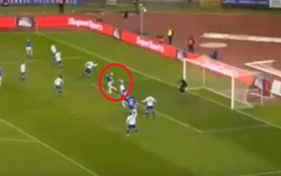 Damian Kądzior strzela gola w meczu Hajduk - Dinamo