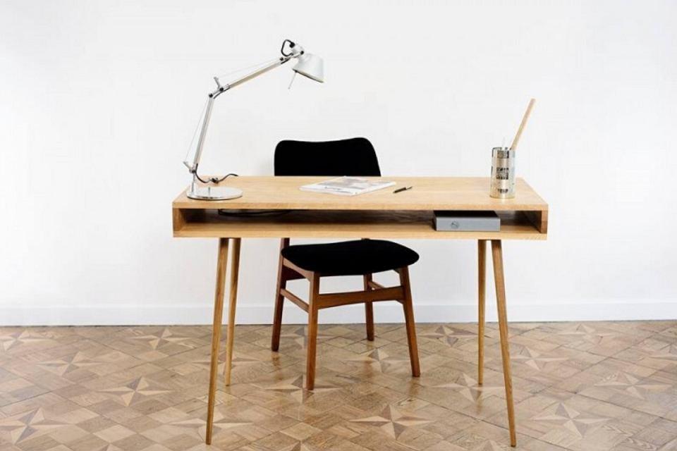 Stylowe biurko KZ/01 wykonane z drewna.