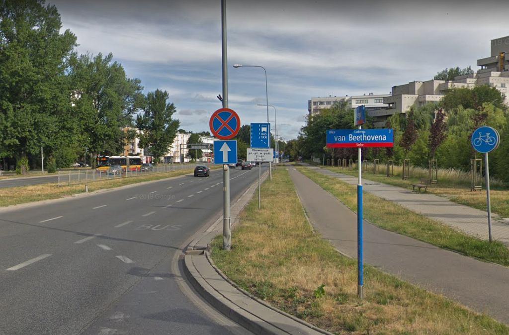 Dwa samochody i motocykl zderzyły się na Mokotowie. Ranny maturzysta nie dojechał na egzamin