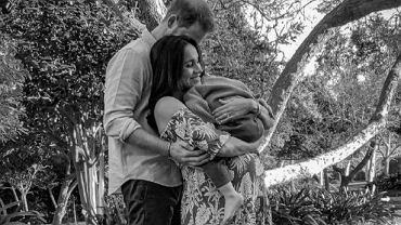 Meghan Markle i książę Harry na nowym zdjęciu ciążowym. Jest też Archie. 'Gratulacje, moi przyjaciele'