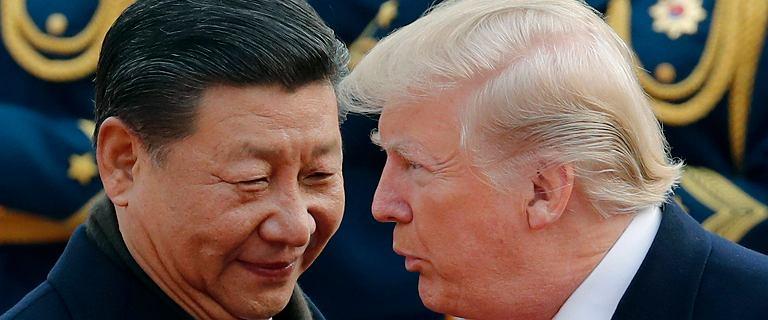 Xi Jinping odwiedza fabrykę i wysyła Donaldowi Trumpowi jasny sygnał