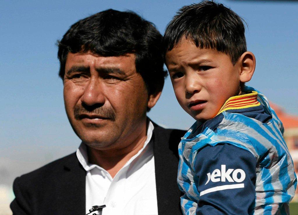 Afgańska Federacja Piłkarska zaprosiła chłopca na trening z młodzieżową kadrą narodową i podarowała mu oryginalny strój Argentyńczyka!