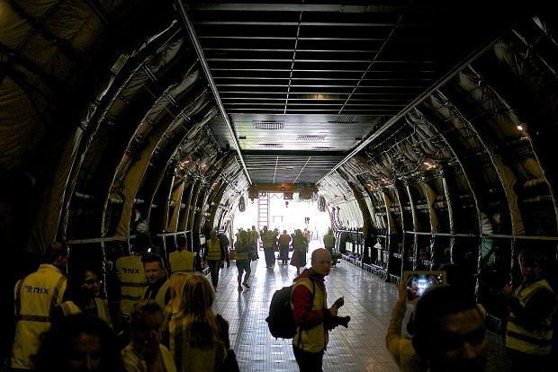 Wnętrze ładowni An-225