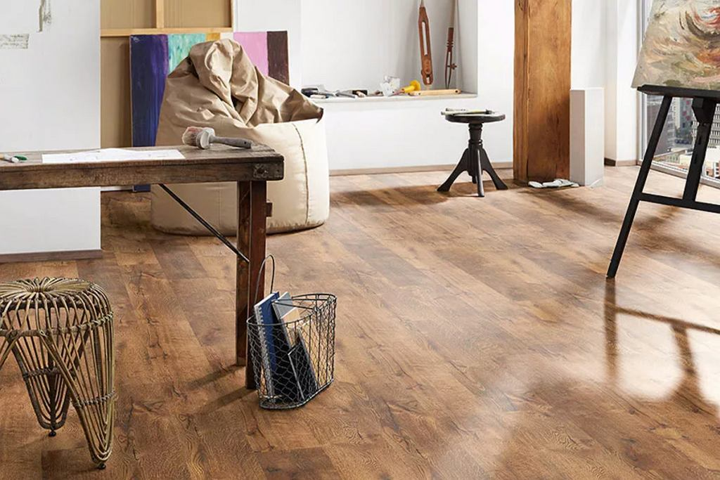 Panele podłogowe, które świetnie podkręcą klimat loftu.