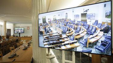 Senat przyjął z poprawkami tarczę antykryzysową 3.0 (zdjęcie ilustracyjne)